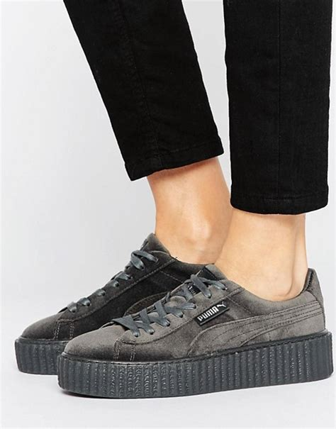 Sepatu Casual Rihanna Fenty X Creepers Velvet Grey Cewek x fenty velvet creepers in grey