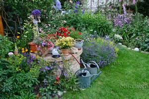 160 Yard Home Design Bild Staudenbeet Und Einj 228 Hrige Pflanzen In Einem