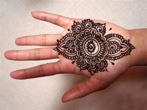 henna design for eyes the world s best photos of henna and symbol flickr hive mind