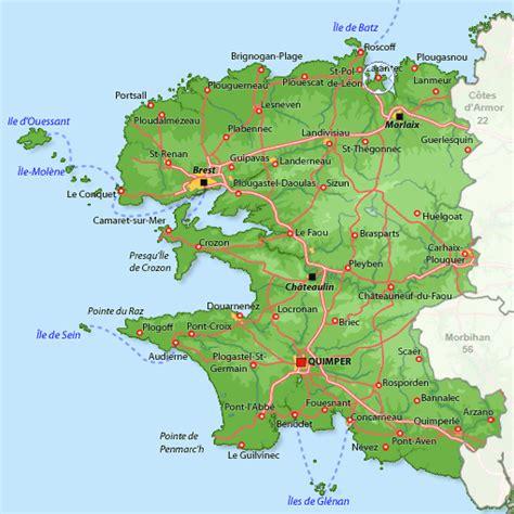 Maison à Carantec, location vacances Finistère : Disponible pour 8 personnes. Maison blanche des