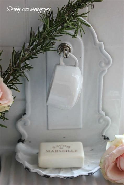 D 37210 White soap dish laundry bathroom white chippy shabby chic