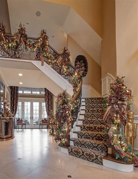 staircase decor 23 gorgeous christmas staircase decorating ideas