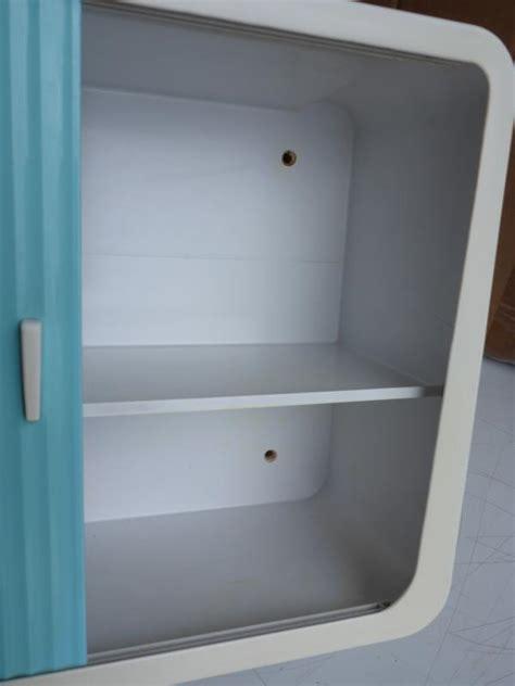 wandschrank 60er alter wandschrank badschrank medizinschrank kunststoff
