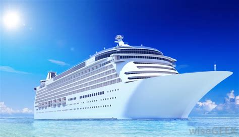 cruise ship what does a cruise ship entertainer do with pictures