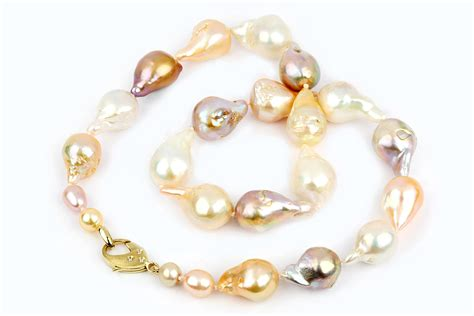Kalung Barouqe pearls your jewelry divas and how to store them