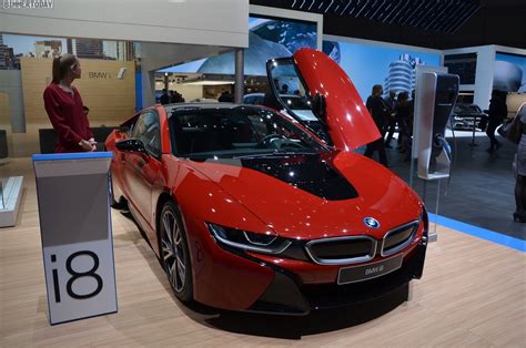 2016 Geneva Motor Show: BMW i8 Protonic Red Edition makes world debut