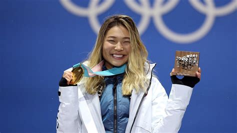 Do Olympic Medalists Win Money - what do olympic athletes do with their medals today com