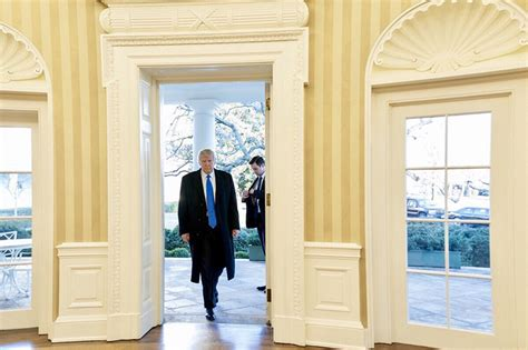 donald trump s oval office trump executive order could affect nmfs regulation