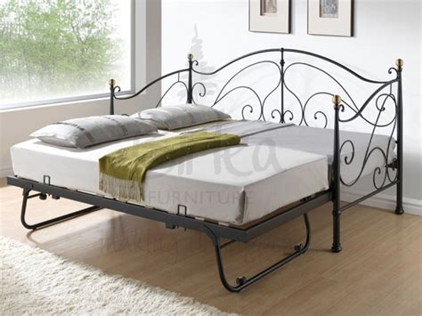 Daybed With Mattress 17 Best Images About Beds On Trundle Daybed Day Bed And Diy Daybed