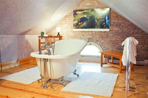 kleines bad mit schräge gestalten deko kleine b 228 der unter dachschr 228 ge kleine b 228 der unter