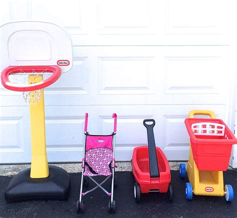 Top Garage Sale Items by 7 Popular Yard Sale Items That Sell Like