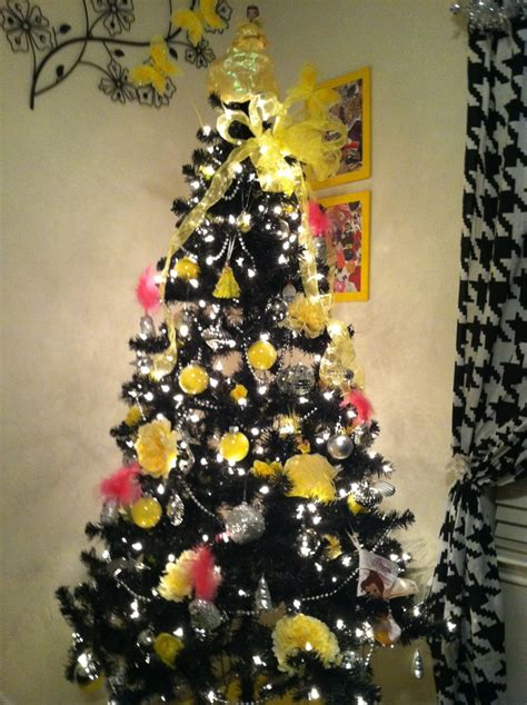 black and yellow christmas tree my tree i absolutely black ad yellow adorable trees