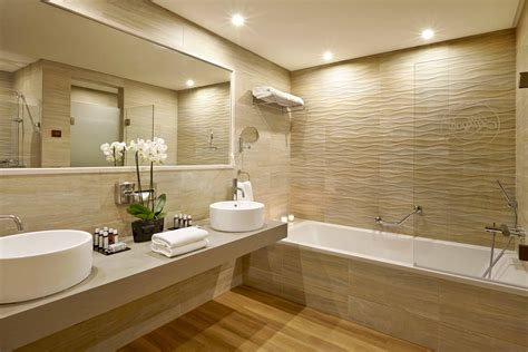 Designs Of Bathrooms Bathroom Marvelous Home Interior Design Featuring Luxury Large Bathroom As As End