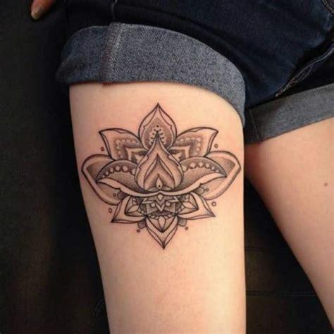 tattoo mandala no quadril 25 fotos de tatuagens com flor de l 243 tus significado tattoo