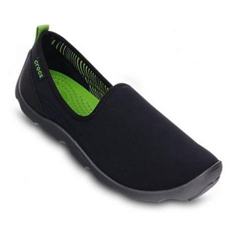 Sepatu Crocs Duet Skimmer crocs crocs duet busy day skimmer black graphite z5 14698 02s trainers crocs from