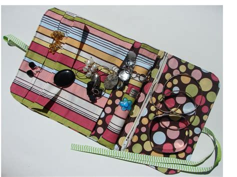 free pattern jewelry roll jewelry travel case pdf sewing pattern free by
