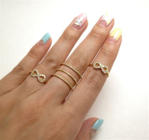 gold snowflakes pretty hands pretty feet pinterest pretty hands and nails www imgkid com the image kid