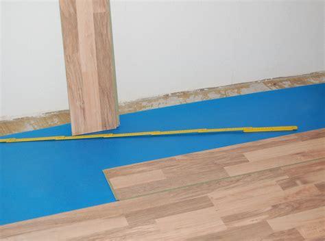 laminat verlegen auf teppich kann ich teppich auf laminat verlegen innenr 228 ume und