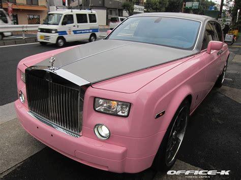 rolls royce headquarters roze phantom van office k is een rijdend statement
