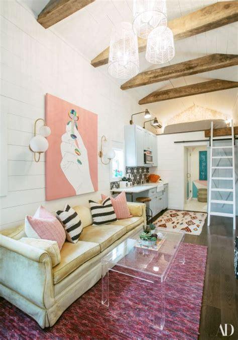 Miley Cyrus Parents Built   Guest House