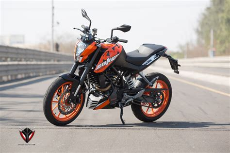 Ktm Duke 200 Design Ktm Duke 250 Vs Duke 200 Motohive