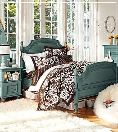 hton swirly paisley bedroom pbteen pretty pink boudior pinte paint something this color one day i ll pinterest