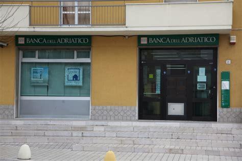 popolare dell adriatico filiali rapinata la sede di via trignina a san salvo della