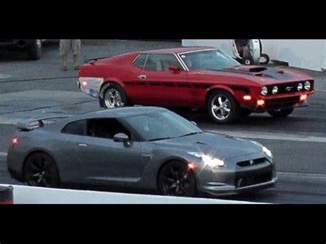 vs sports car video nissan gtr vs ford mustang mach1 sanair drag youtube