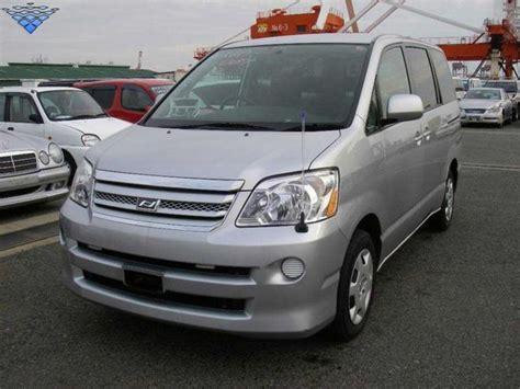 Toyota Naoh 2005 Toyota Noah Pictures 2000cc Gasoline Automatic