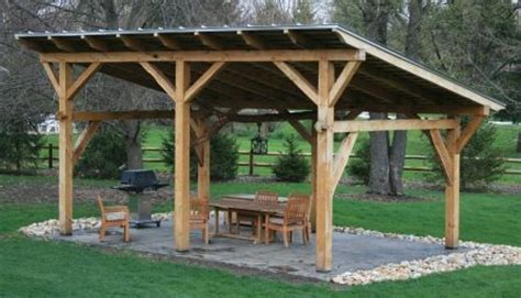 timber frame lean to kennel outdoor