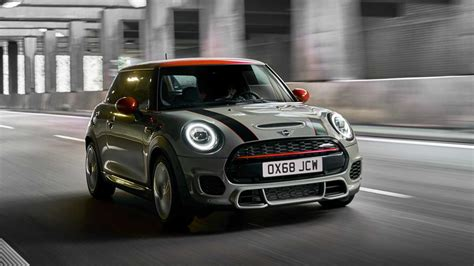2019 mini cooper s 2019 mini cooper s jcw updated version revealed for europe