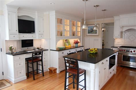 White Kitchen Cabinets With Black Granite Granite Countertops For Your Modern Kitchen Modern Magazin
