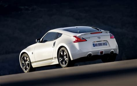nissan 370z wallpaper white nissan 370z hd wallpapers desktop wallpapers
