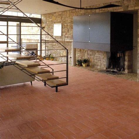 cotto per pavimenti interni colori pareti per pavimento in cotto foto design mag