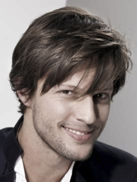 Hairstyles For Boys With Bangs by Stylish Bangs Hairstyles For Boys