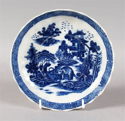 willow pattern en francais an english willow pattern type blue and white circular