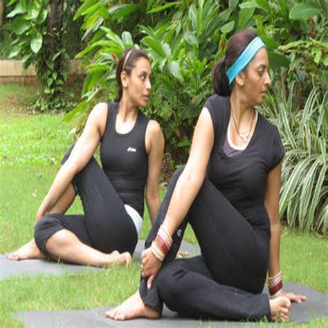 hollywood celebrities doing yoga top 10 hot yoga celebrities slide 6 ifairer