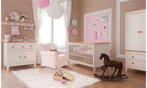 babybett komplett im schlafzimmer ideen babyzimmer kinderzimmer quot royal creme quot babym 246 bel set 4tlg