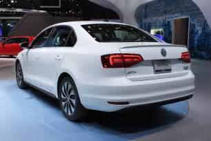 vw new cars 2015 volkswagen reveals facelifted 2015 jetta 2014 new york