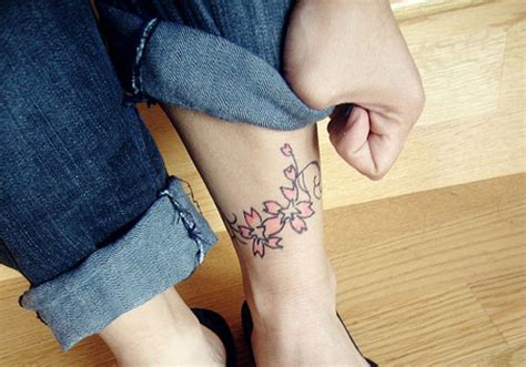 cute small thigh tattoos 25 tattoos for which are fascinating creativefan