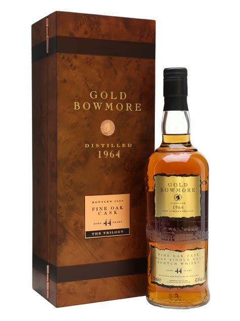 44 years old gold bowmore 1964 44 year old scotch whisky the whisky