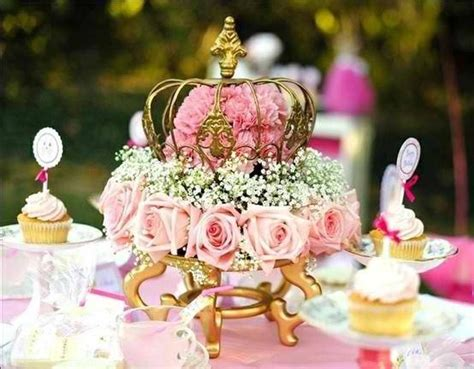 crown table decoration tablescapes