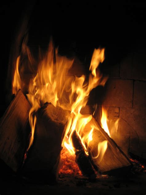 file burning in a fireplace jpg