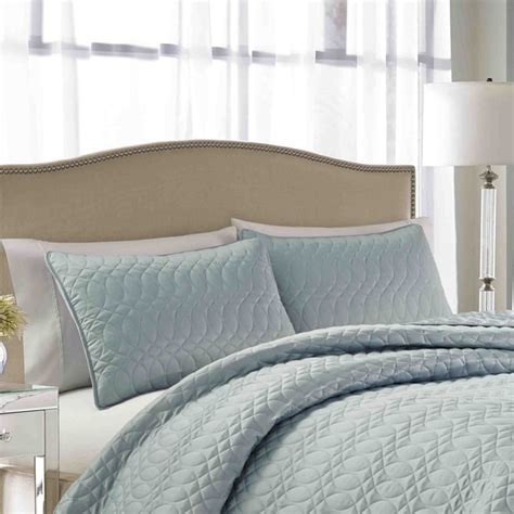 nicole miller coverlet nicole miller splendid cloud quilted 3 piece bedspread set