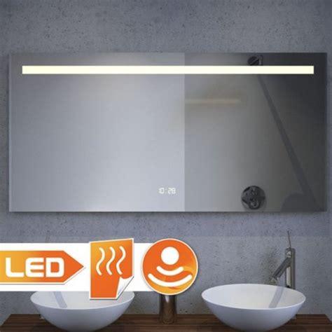 verwarmde badkamerspiegel met verlichting badkamerspiegel met verwarming led verlichting watt