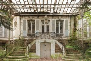 abandoned homes stunning abandoned homes are surprisingly full of life