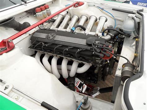 m88 2 engine jpg file bmw e24 635 csi grp 2 engine bay exhaust jpg