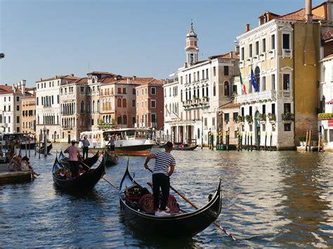 gondola boat venice venice gondola boating 183 free photo on pixabay