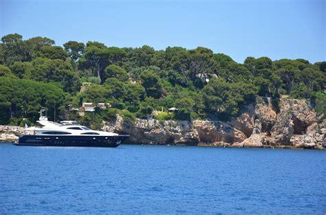 boat trips from juan les pins to st tropez juan les pins cap d antibes shehaneurope