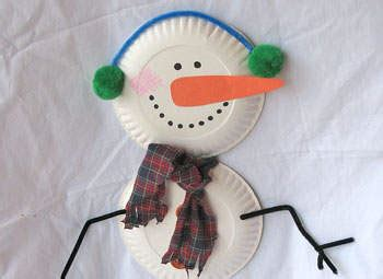 How To Make A Paper Plate Snowman - paper plate snowman family crafts